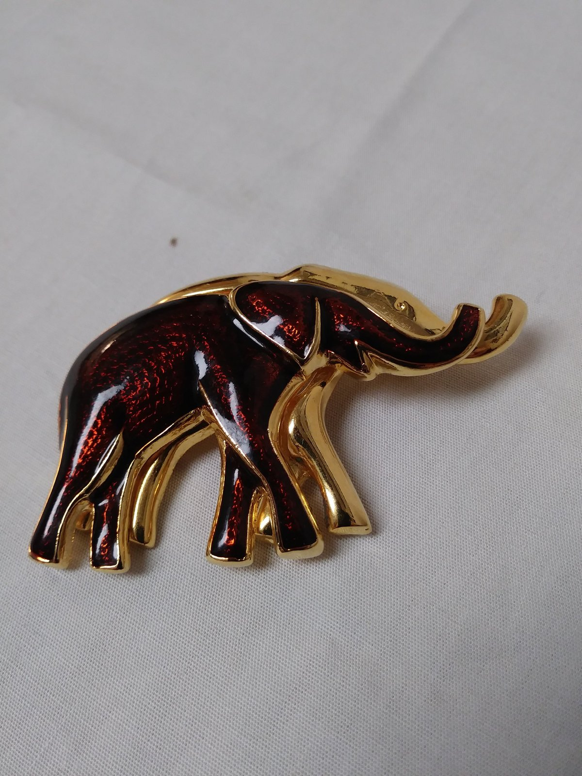 Red Gold Tone Elephant Brooch/Pin Gold Plated Jewelry