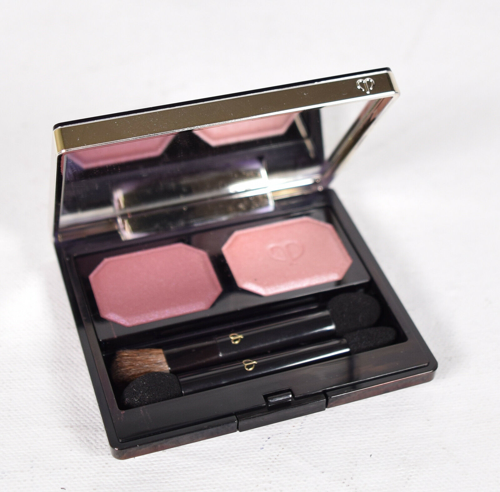 Cle De Peau Beaute Eye Color Duo Ombre Quad Case JSA - $49.50