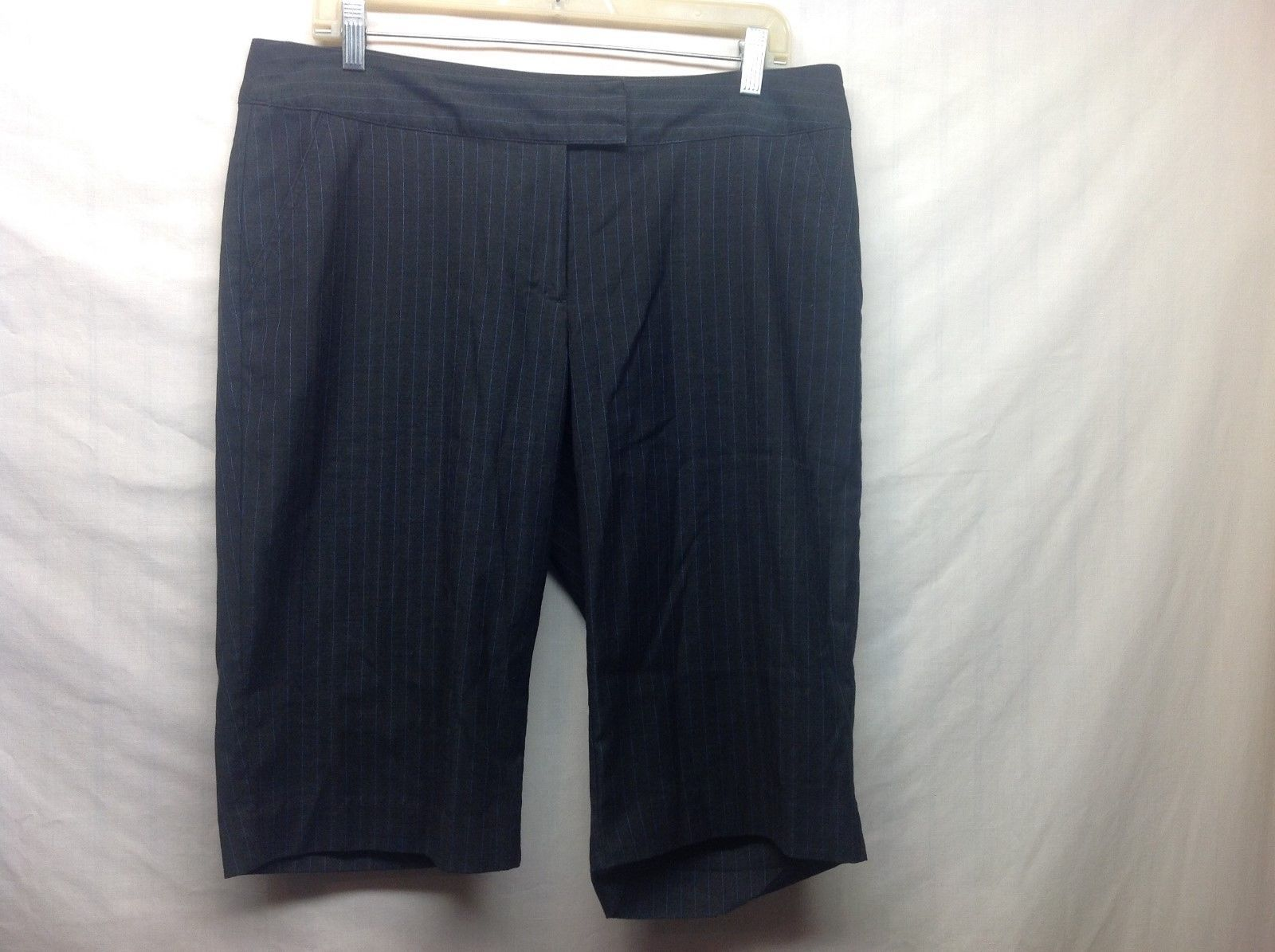 MIXIT Ladies Black w Blue Pin Stripe Shorts Sz 12