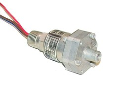 Itt Aerospace Controls NEO-DYN Pressure Switch 5 Amp Model 130P12C3 - $49.99