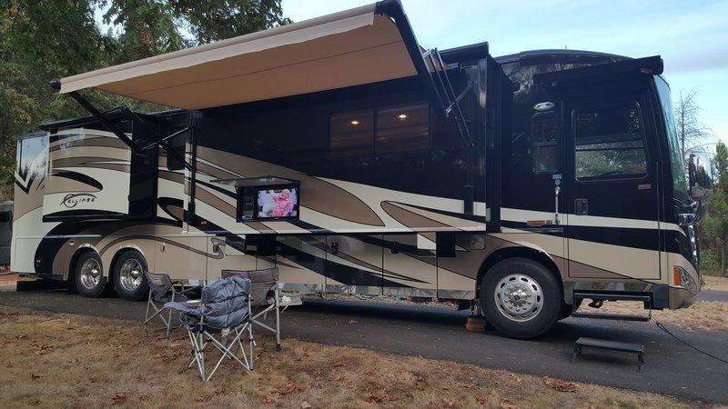 2011 Itasca Ellipse 42QD For Sale In Eugene, OR 97402