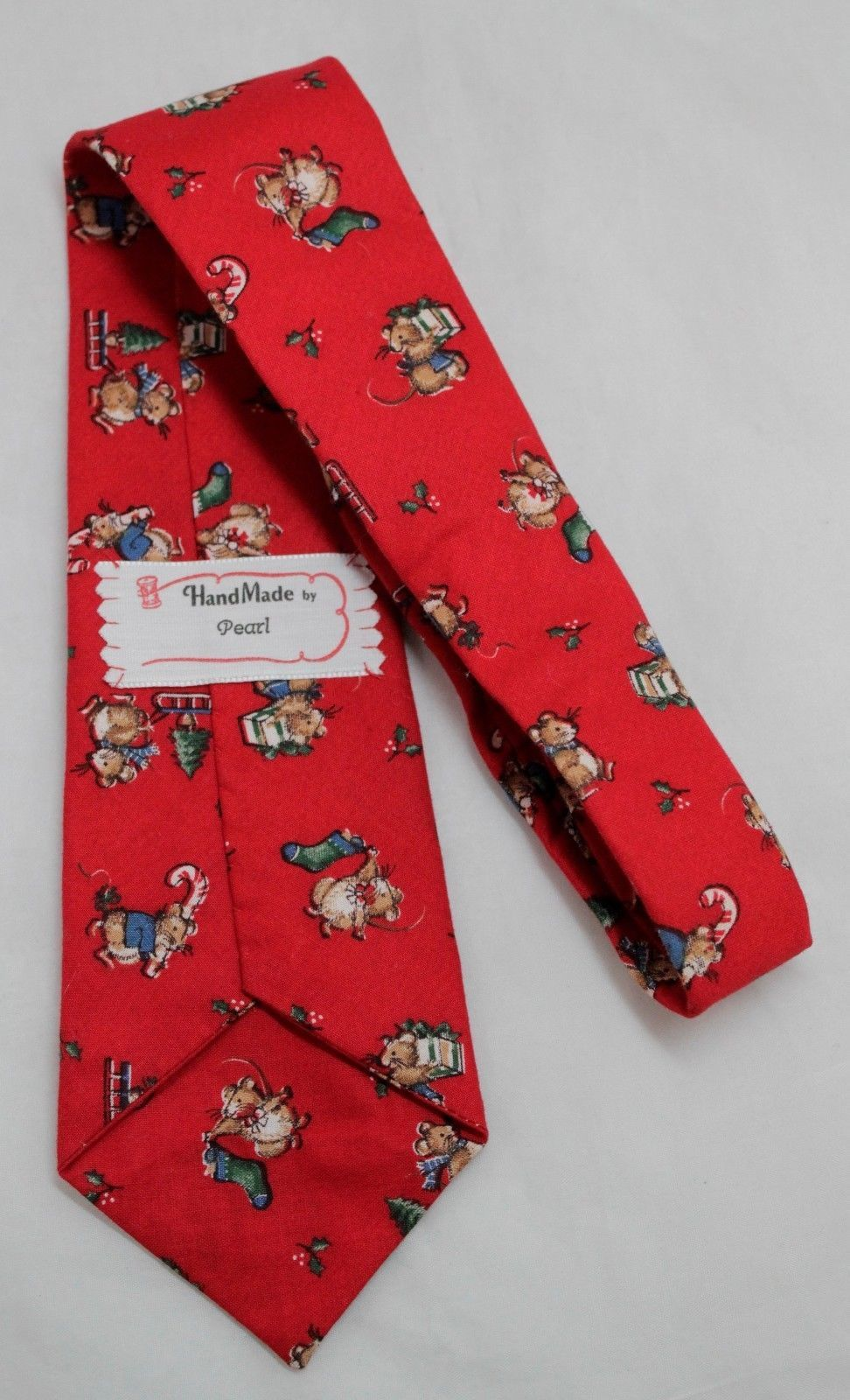 "Christmas Vintage Necktie Cotton Red w/mouse 52-1/2"" X 3-1/2"""