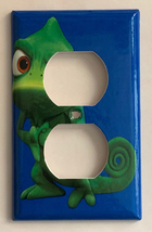Eccentric Green Chameleon Light Switch Outlet wall Cover Plate Home Decor image 2