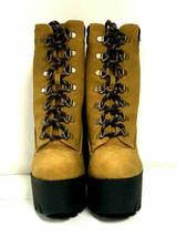 Qupid Mujer Botas Iggy 07 , Camel Nubuck Piel Sintética Zapatos, Ee. Uu. 8 - $35.57