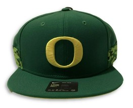 NWT New Oregon Ducks Nike True Seasonal Stripe Logo Apple Green Snapback... - $24.70