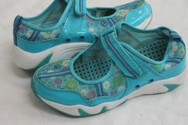 The Childrens Place Size 2 Strap Closure Water Water Shoe Shoes - $9.90