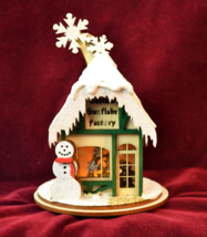 GINGER COTTAGES SANTA'S SNOWFLAKE FACTORY CHRISTMAS ORNAMENT MADE IN USA... - $19.88