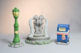 Cherished Teddies: Mailbox, Lamppost & Water Fountain - CT983 - $13.56