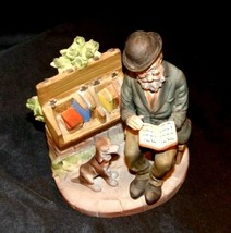 Figurine Man Reading a book as Dog Watches 2432 AA19-1538 Vintage image 2