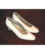 White Ashley Taylor Shoes Heels Pumps Flex Sole 8 - $12.85