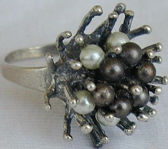 White and brown thorn ring