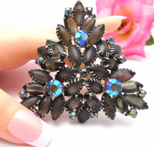 """Huge Juliana Triangle Brooch Green Frosted Stones Dog Tooth Setting 2-3/4"""" - $74.95"""