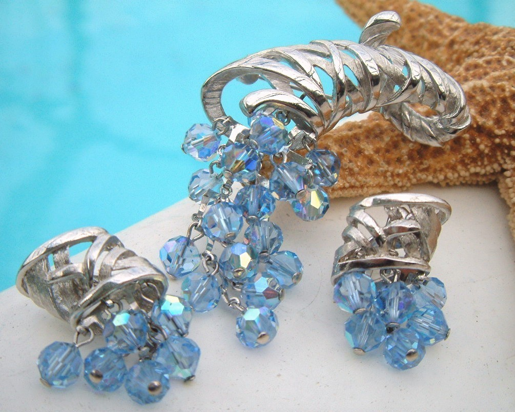 Vintage Cornucopia Brooch Earrings Demi Parure Blue Crystal