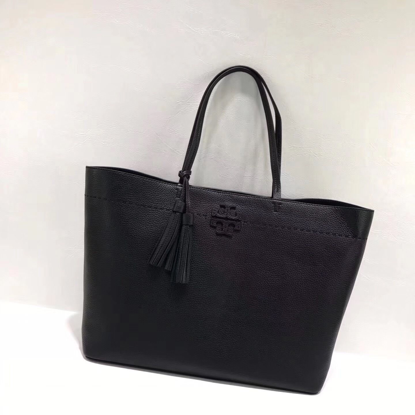 d84da3899aff NWT Tory Burch Mcgraw Tote and 50 similar items. Img 0696