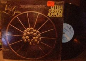 Living Guitars - Little Green Apples - Camden CAS 23
