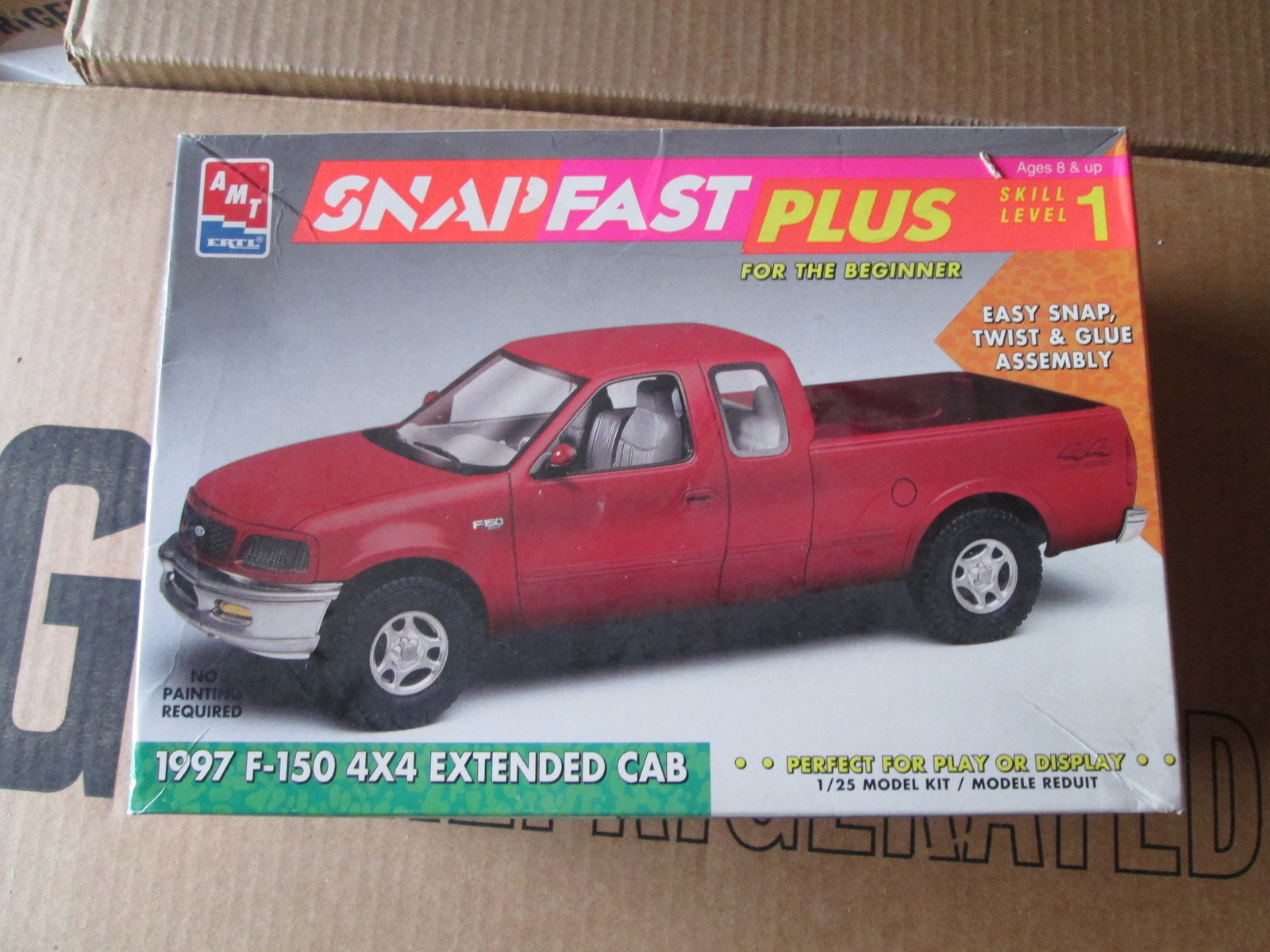 AMT 1997 F-150 4x4 Extended Cab Pickup 1/25 and 49 similar items