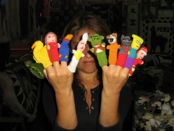Primary image for 1500 Finger puppets, handknitted in Peru,whoelsale