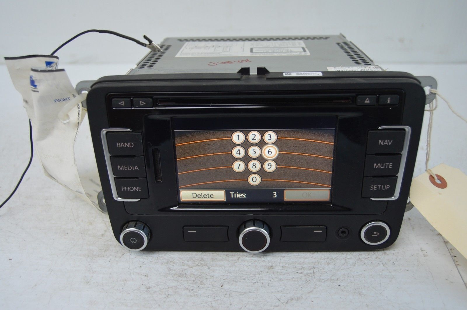 2011 volkswagen tiguan radio cd player oem radio. Black Bedroom Furniture Sets. Home Design Ideas