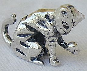 Licking cat silver miniature