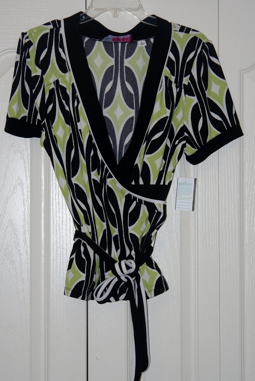Ladies printed Blouse size X Large ~ New ~