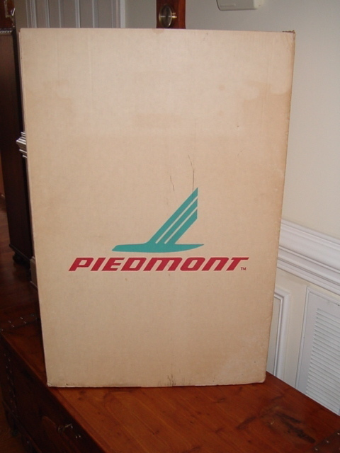 PIEDMONT AIRLINES GARMENT BOX