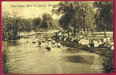 DETROIT MICHIGAN Canal Belle Isle Canoe People 1913 MI