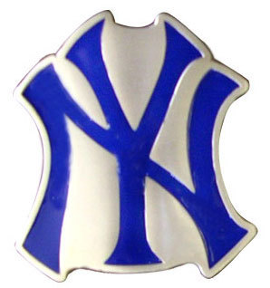 NEW YORK  Belt Buckle,  Officially Lincensed MLB , SMALL  SIZE  YANKEES NEW!!