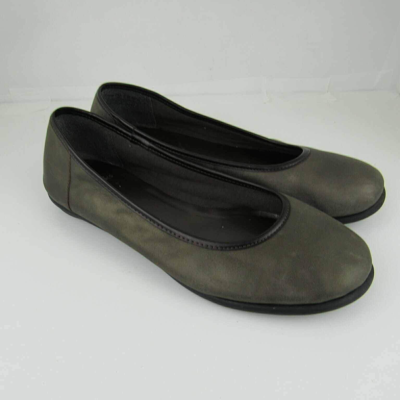 Clarks 9 Womens Ballet Flats Shoes Leather Upper Cushion Soft Slip On Casual