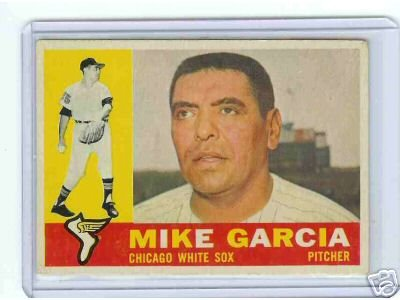 1960 Topps Baseball Card Mike Garcia #532 White Sox