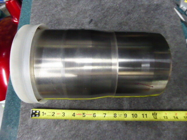 Volvo 20760235 Cylinder Sleeve and Piston 130912, K3/421 E3224