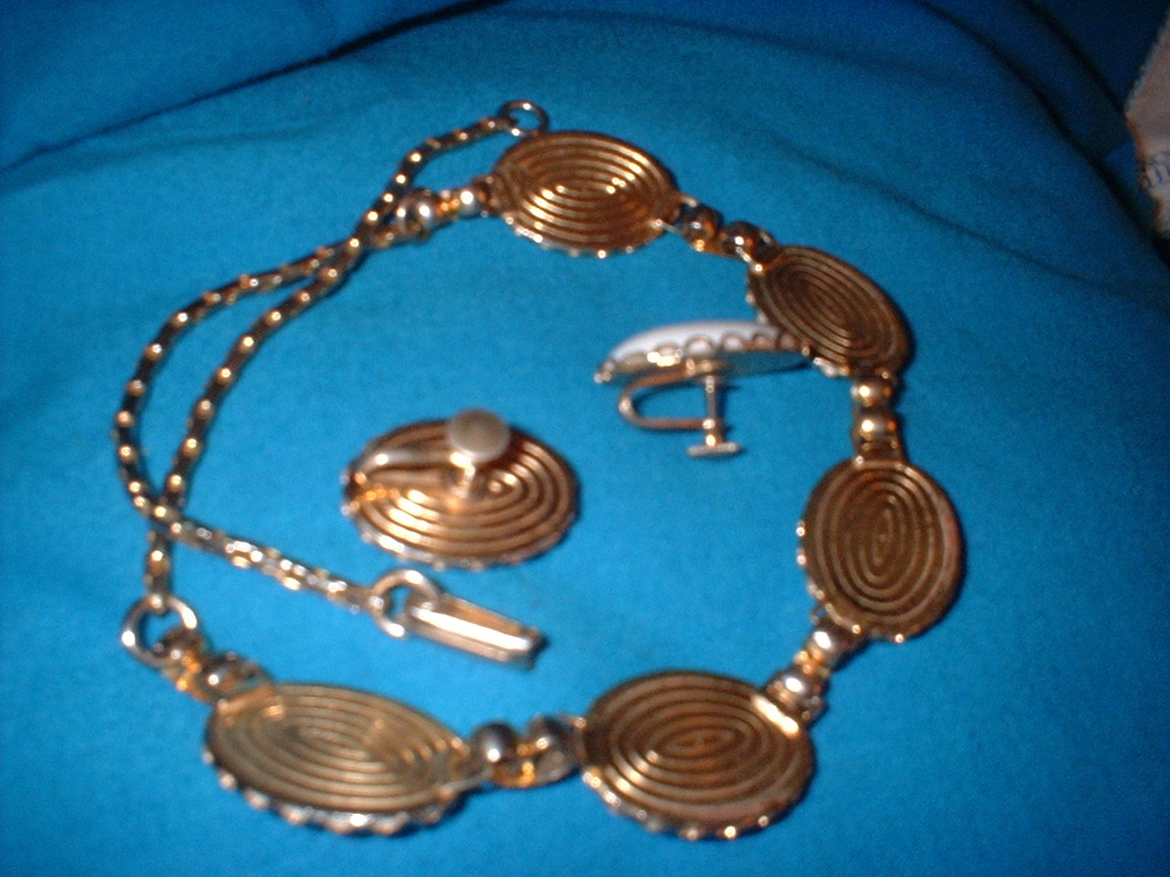 Vintage  Plastic White Jewelry Set On Gold Tone