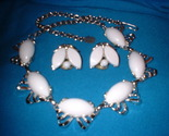 Thrmoset white necklace and earrings front thumb155 crop