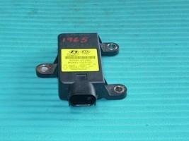 2012 HYUNDAI ACCENT YAW RATE SENSOR CONTROL MODULE 95690-2T250 OEM