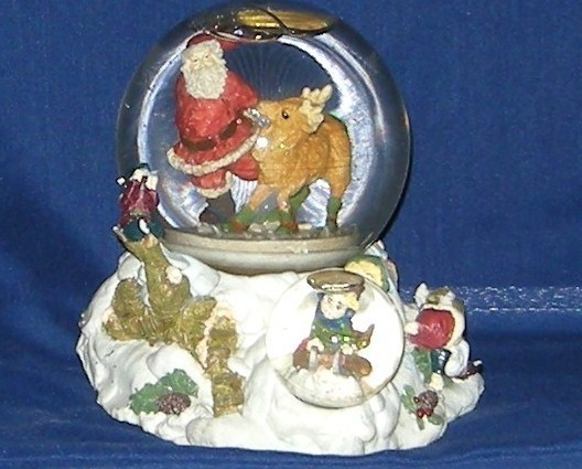 Christmas musical moving snow globe santa claus is coming