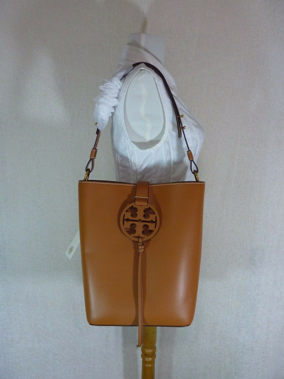 NWT Tory Burch Aged Camello Miller Hobo/Shoulder Tote $458 - Minor Imperfection