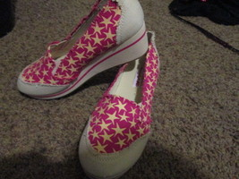 American Eagle Ladies Pink Shoes Size 7.5 Brand New - $15.00