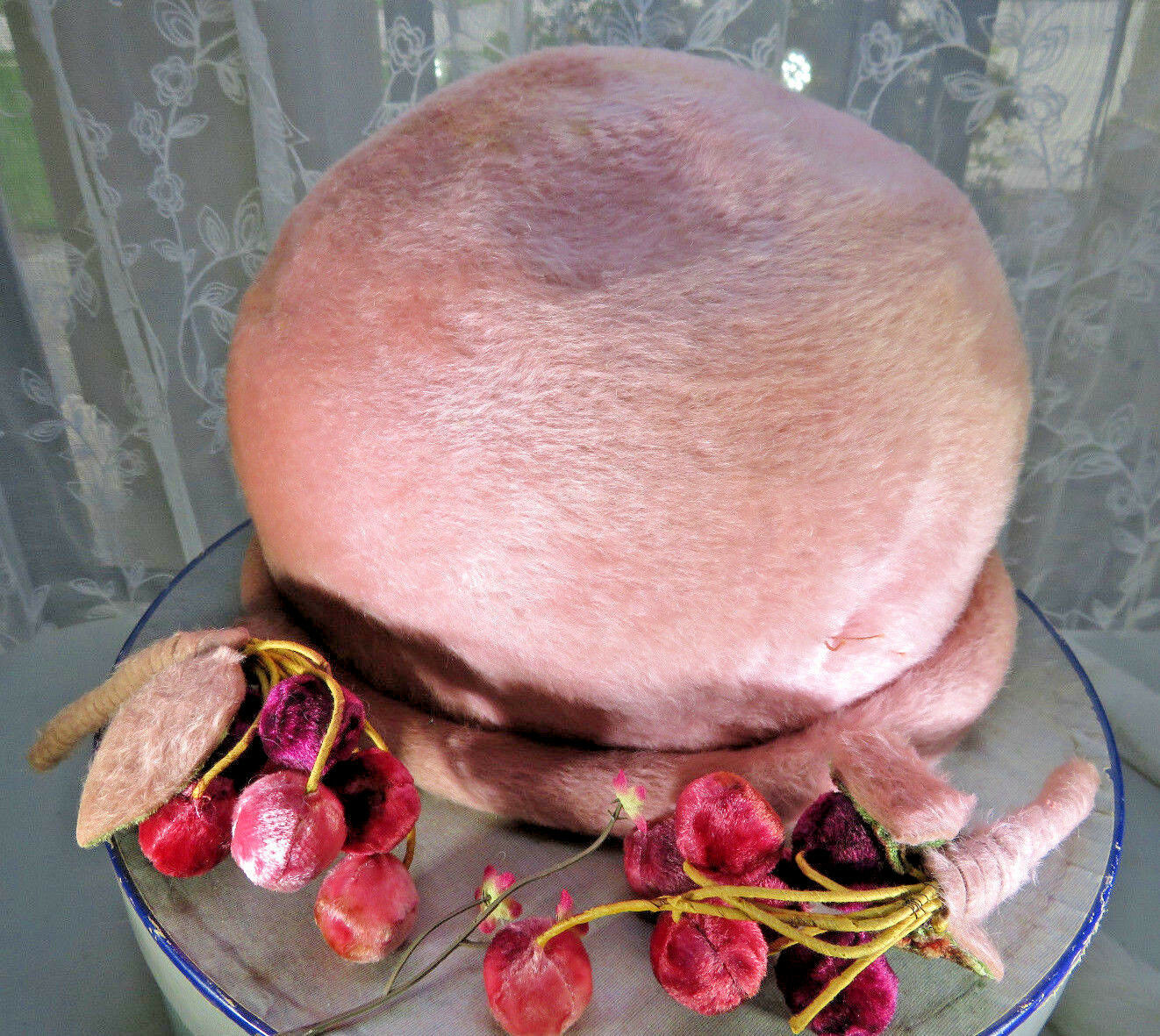 Vintage LA VIENNE Austria Pink Wool Fur Cloche Hat Lazarus cherries Model Paris