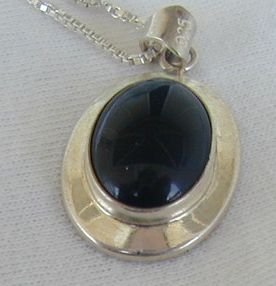 Mini onyx pendant A