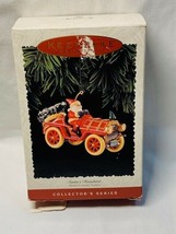 Hallmark 'Santa's Roadster' Here Comes Santa 1995 Ornament 17th In Series - $3.95