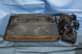 Atari 2600 Sistema Consola Derretido Art Pieza Escultura Para Pantalla Dq - $226.93
