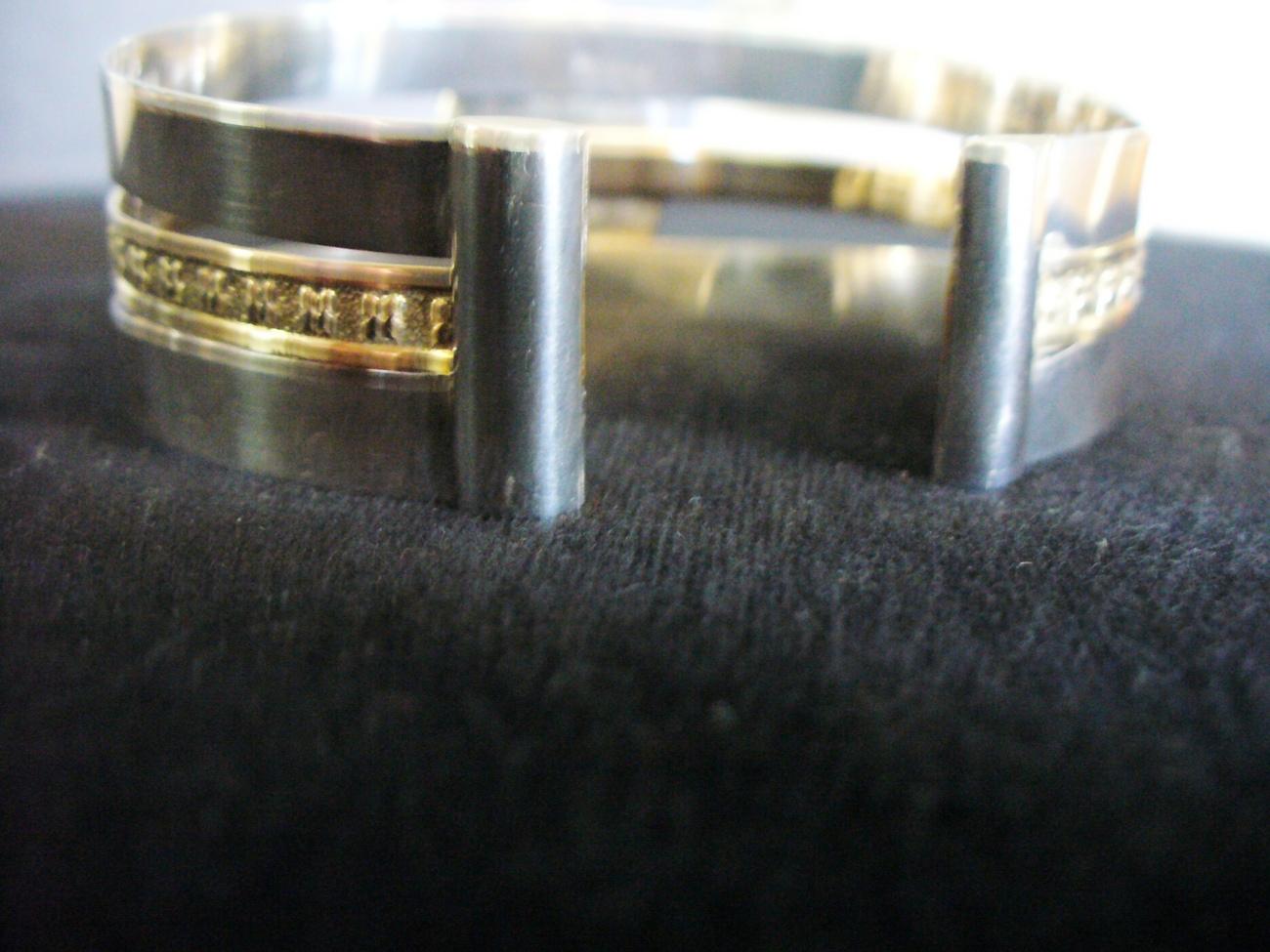 Shanrocks Green Agate Cuff Bracelet