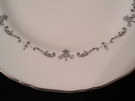 Royal worcester silver chantilly5 thumb200