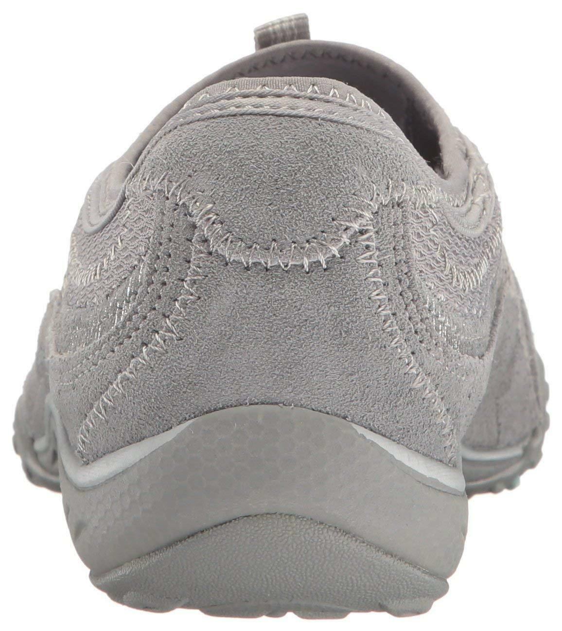 Skechers Sport Women's Women's Breathe Easy Point Taken Sneaker