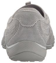 Skechers Sport Women's Women's Breathe Easy Point Taken Sneaker image 3