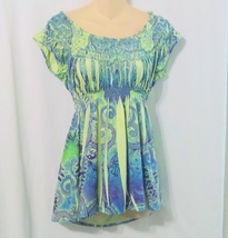 ONE WORLD Green Sublimation Print Knit Top Size Small - $15.00