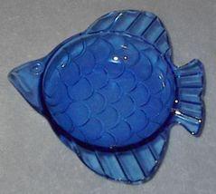 Blue glass fish3 thumb200