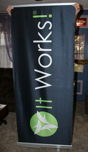 It Works! Pop-up Retractable Banner with Stand & Case Pre-Owned Excellen... - $96.74