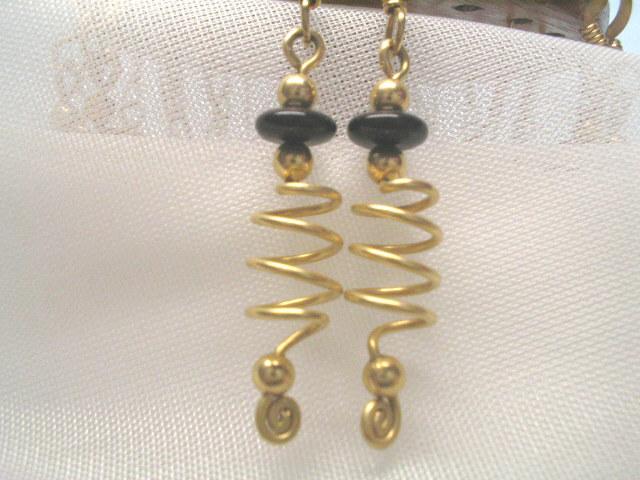 Wire sculpture 12/20 GF Earrings