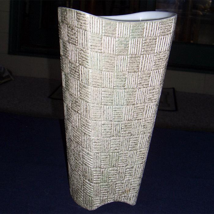 Shawnee tall vase