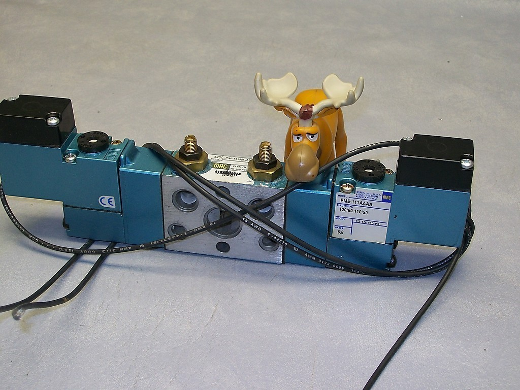 MAC Solenoid Valve 825C-PM-111AA-593 w/ Two PME-111AAAA Coils